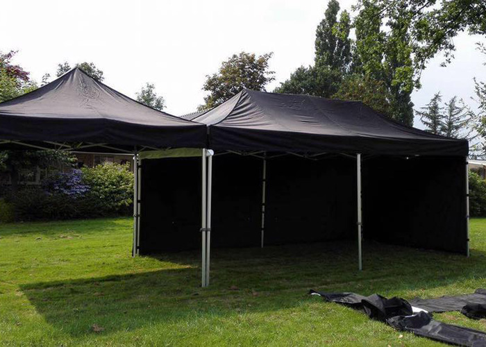 Easy up partytent 3 x 7,5 (gekoppeld)